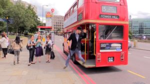 How to use an oyster card for London travel